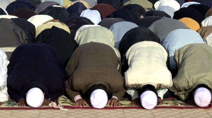 1288323-musulmani_in_preghiera