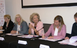 La Presentazione dell'11ma edizione di race for the cure in sala Tassinari a bologna